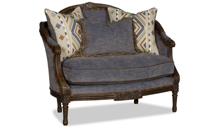SETTEES, CHAISE, BENCHES Luscious lavender settee