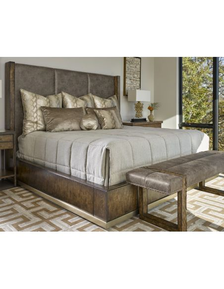 Queen and King Sized Beds Bed in a luxurious combination of wood and fabric