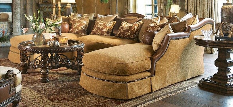Sectional Sofa With Luxurious Leather