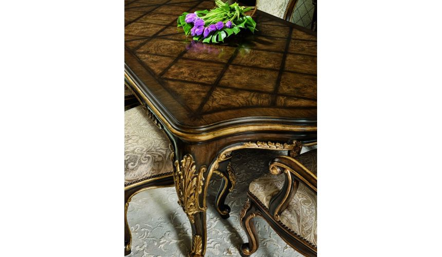 Dining Tables Luxurious traditional styled dining table