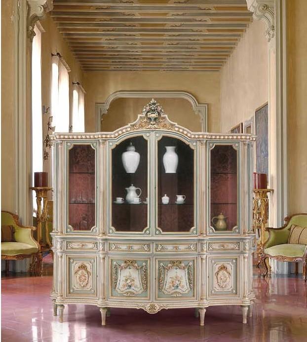 Antique Looking Fl Showcase Cabinet, Antique Looking Furniture