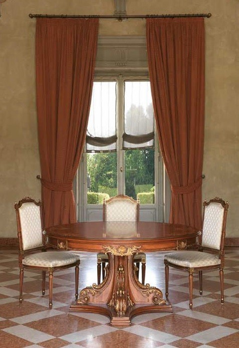 Clic High End Round Table From Our European Hand Painted Furniture Collection 7107