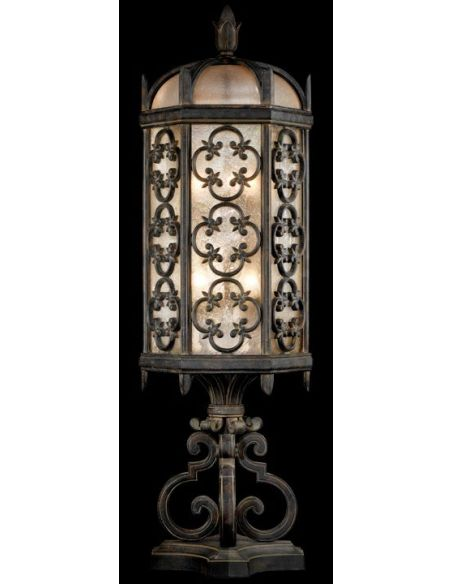 Lighting Medium pier mount in stylized quatrefoil design