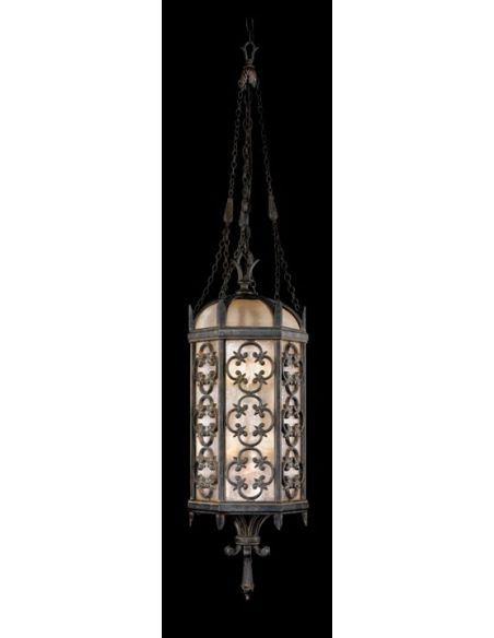 Lighting Medium lantern in stylized quatrefoil design