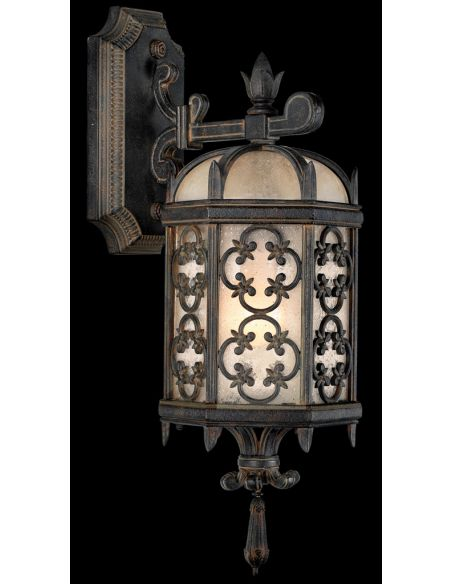 Lighting Extra small top wall mount in stylized quatrefoil