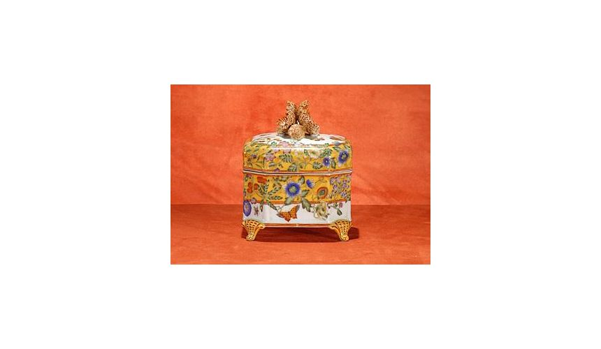 Decorative Accessories High Quality Furniture Hand Painted Footed Box