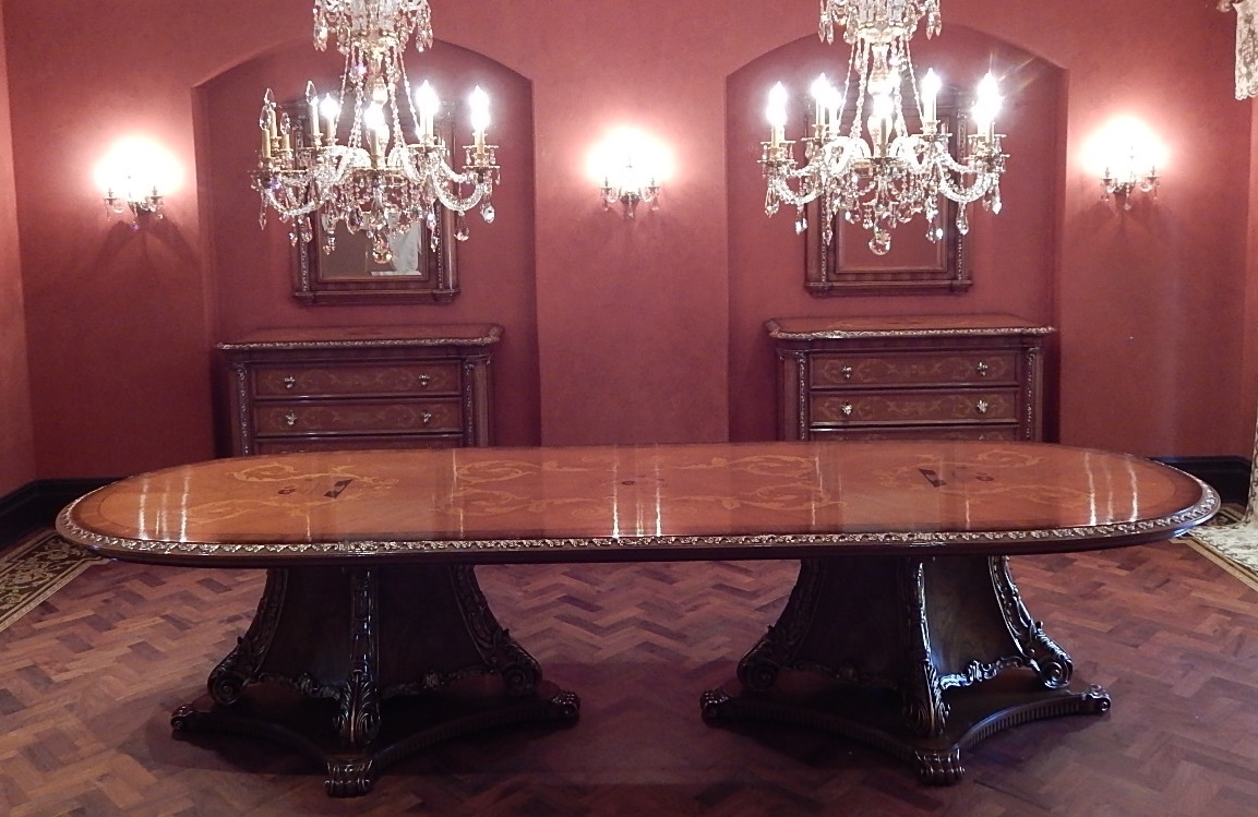 High end dining room table italian furniture for Italian dining room furniture