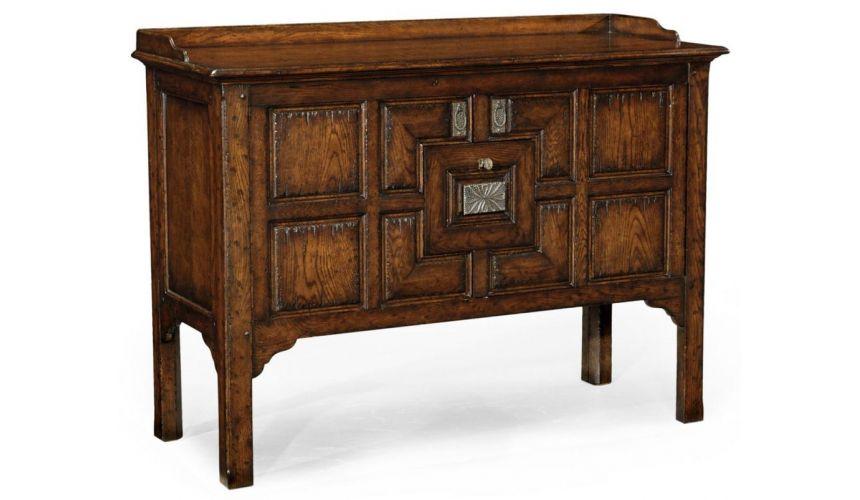 Fine Furniture Display cabinet in Oak