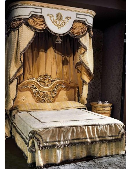 BEDS - Queen, King & California King Sizes Grand canopy master bedroom