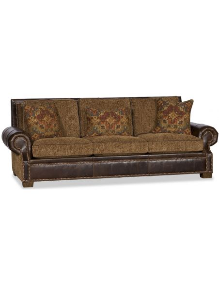 SOFA, COUCH & LOVESEAT Flare Armed Upholstered Sofa