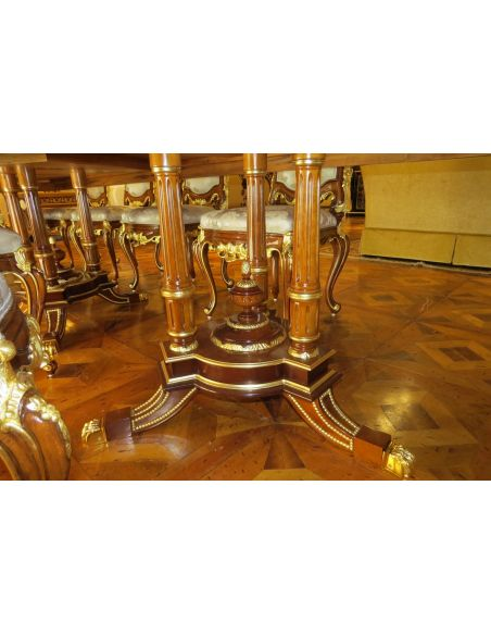 Dining Tables 10 Luxury dining furniture. Exquisite Boulle marquetry