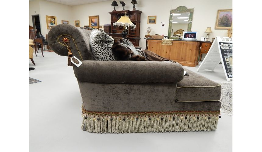 SETTEES, CHAISE, BENCHES Chaise double chair. Classy styling 442