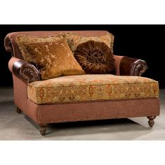 Chaise lounge. Grand home furnishings. 524