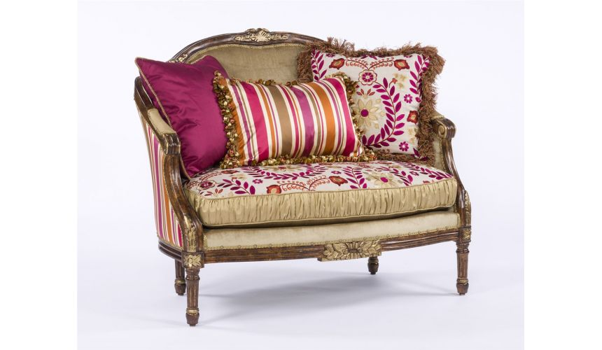 SETTEES, CHAISE, BENCHES Classy and Sassy Settee
