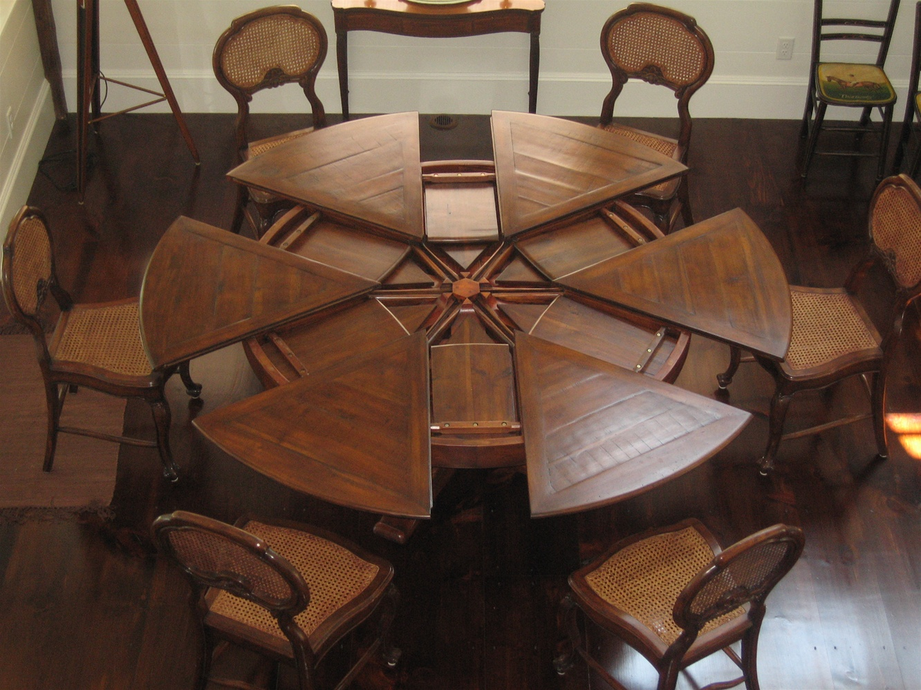 Solid Walnut Jupe Dining Table 84