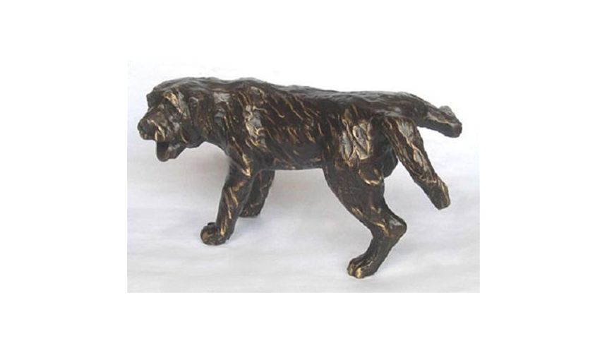Decorative Accessories Luxury Furniture Finely Cast Dark Bronze Patina Brass Peeing Dog