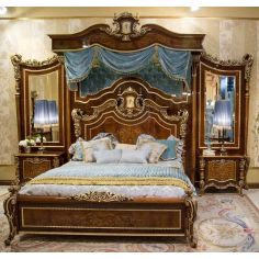 Master bedroom with boiserie. Furniture Masterpiece Collection.