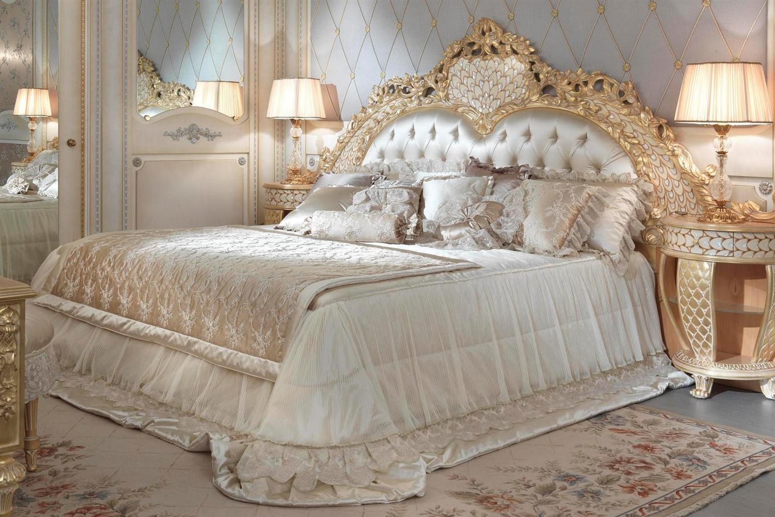 Sleep Like A Movie Star With This Amazing Bedroom Set