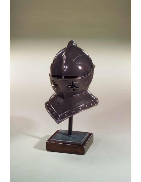 Decorative Accessories Bronze helmet to a suit of armour