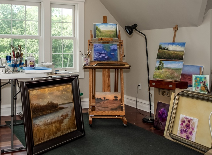 Fine Art Studio. Original Oil Paintings by Artist: Anne-Marie Debuissert